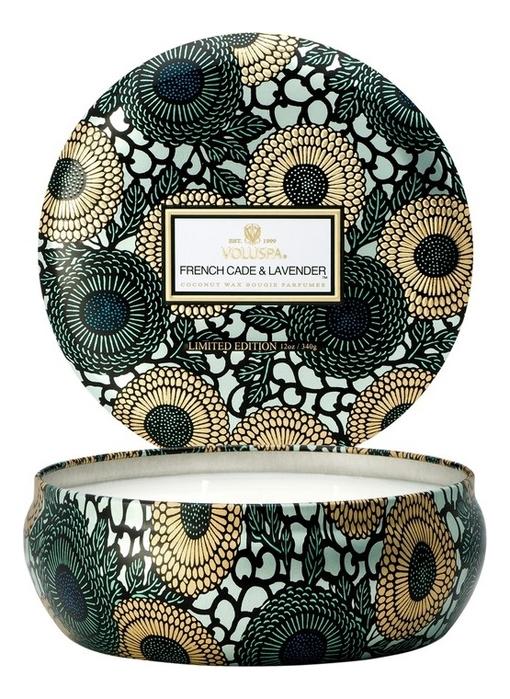 Купить Ароматическая свеча French Cade & Lavender (лаванда и вербена): свеча в алюминиевом подсвечнике с 3 фитилями 340г, Ароматическая свеча French Cade & Lavender (лаванда и вербена), VOLUSPA