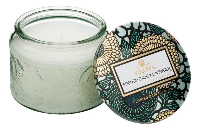 Фото - Ароматическая свеча French Cade Lavender (лаванда и вербена): свеча в маленьком стекляном подсвечнике 90г ароматическая свеча lavender vanilla лаванда и ваниль свеча 680г