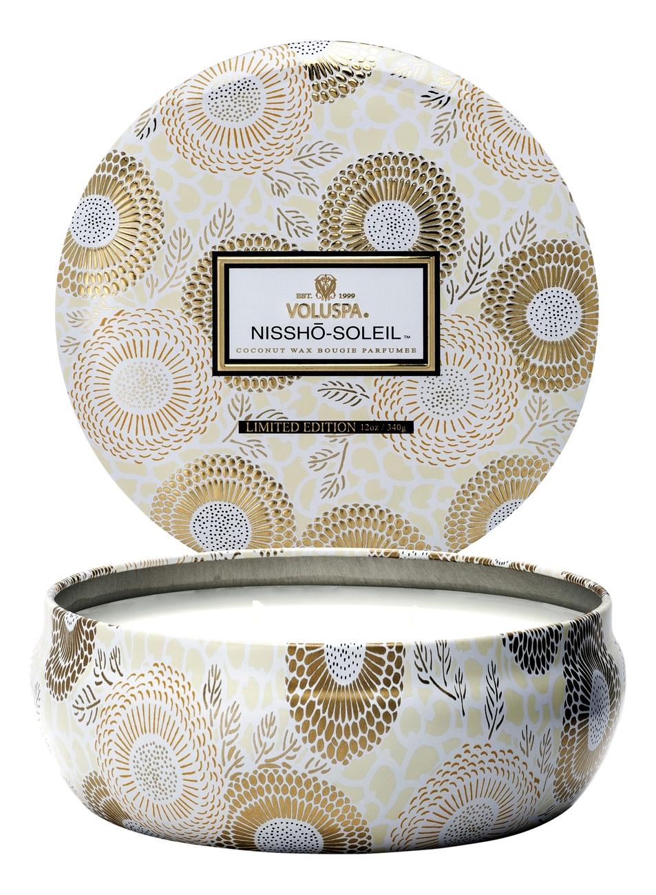 Купить Ароматическая свеча Nissho-Soleil (ананас, мандарин и ваниль): свеча в алюминиевом подсвечнике с 3 фитилями 340г, VOLUSPA