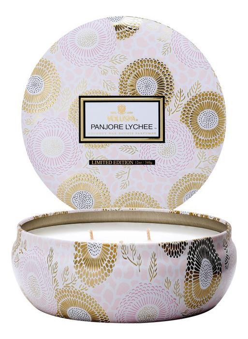 Ароматическая свеча Panjore Lychee (панжерское личи): свеча в алюминиевом подсвечнике с 3 фитилями 340г ароматический спрей для дома и тела panjore lychee 100мл панжерское личи