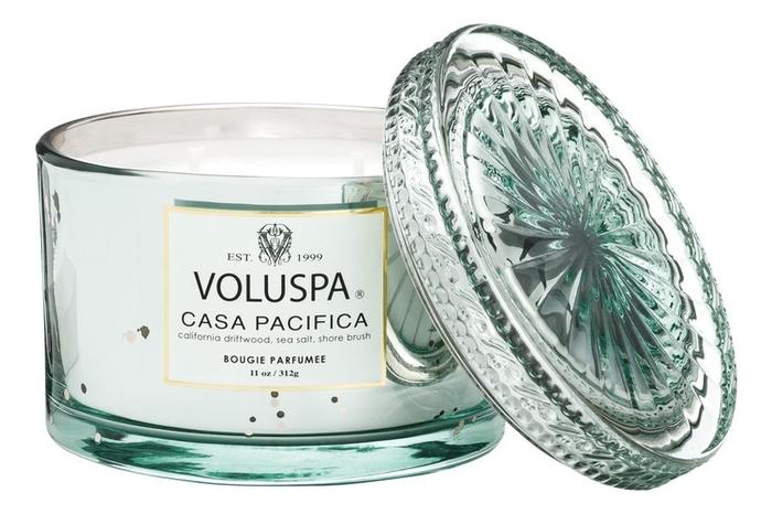 Ароматическая свеча Casa Pacifica (дом на побережье): свеча в стеклянном подсвечнике с крышкой 312г ароматическая свеча perse bloom пион жасмин и мимоза свеча в стеклянном подсвечнике с крышкой 312г
