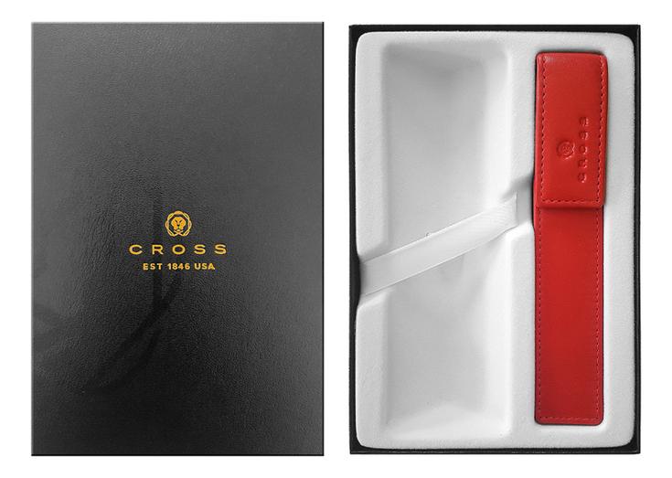 Красный чехол для ручки и место под ручку в подарочной коробке