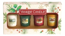 Yankee Candle Набор ароматических свечей Magical Christmas Morning (Singing Carols 49г + Holiday Hearth 49г + Surprise Snowfall 49г + Vanilla French Toast 49г)
