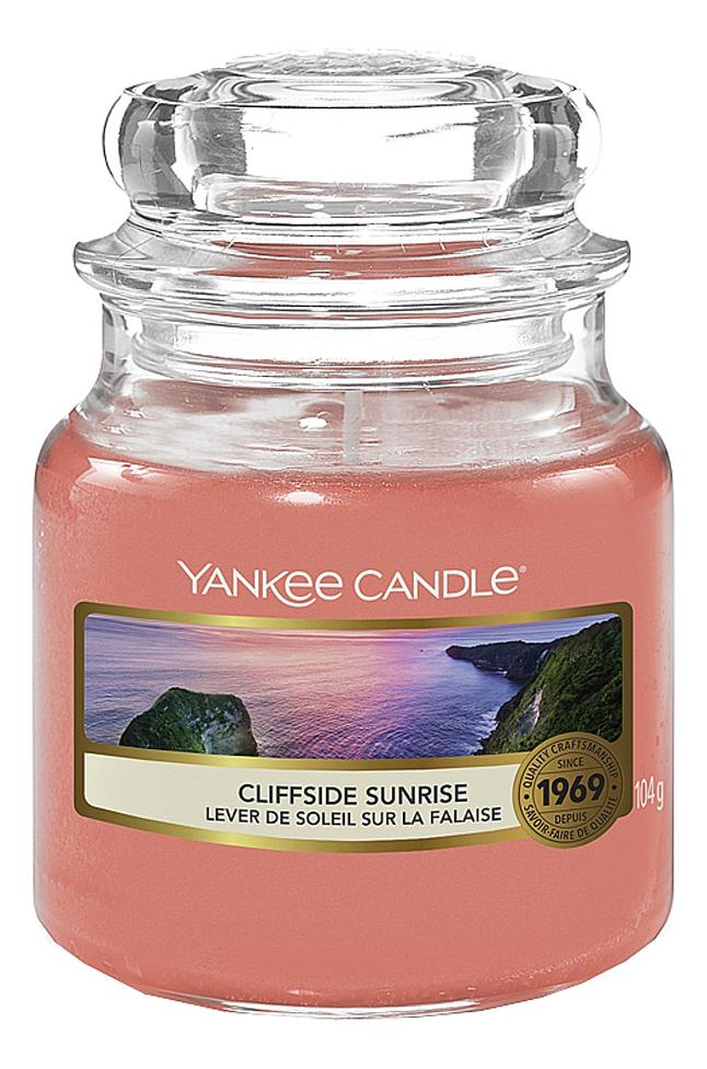 Купить Ароматическая свеча Cliffside Sunrise: свеча 49г, Yankee Candle
